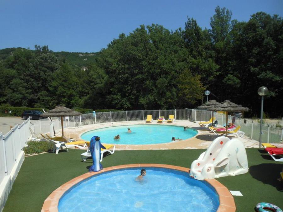 Camping gorges du verson avec piscine chauff e au lac de for Camping lac leman avec piscine