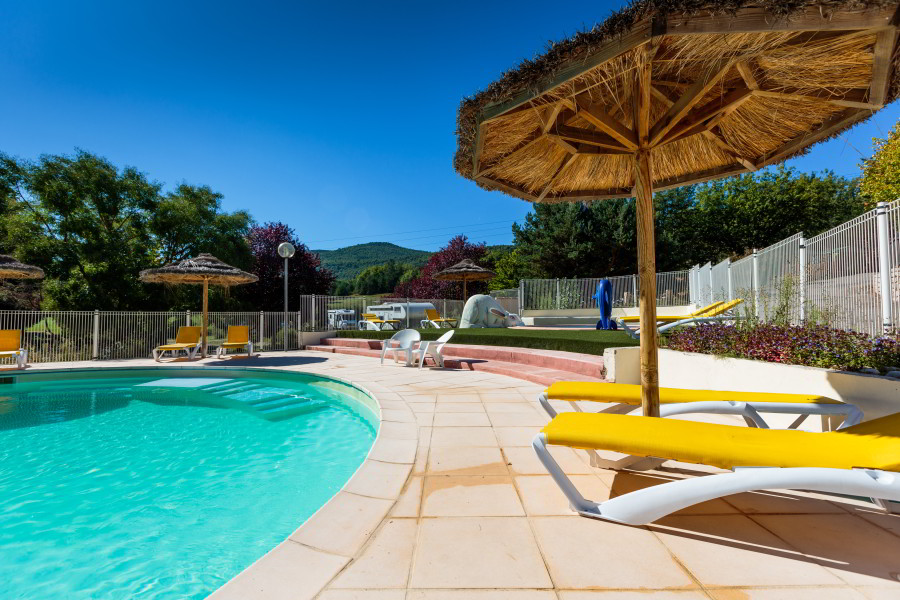camping dans le haut Var avec piscine